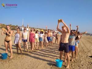 Clase divertida en playa de Valencia