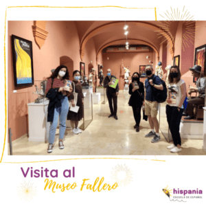 Noticia 4_visita museo fallero